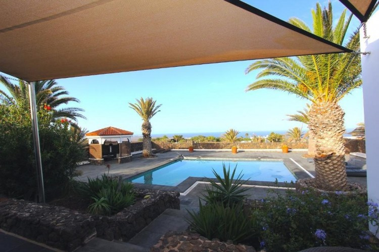 4 Bed  Villa/House for Sale, Las Brenas, Lanzarote - LA-LA730s 2