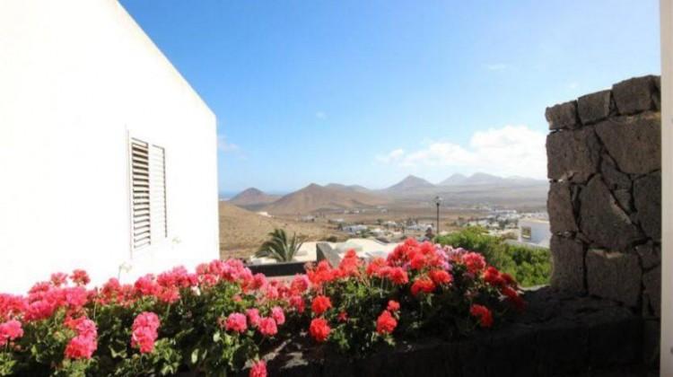 3 Bed  Villa/House for Sale, Oasis de Nazaret, Lanzarote - LA-LA762s 2