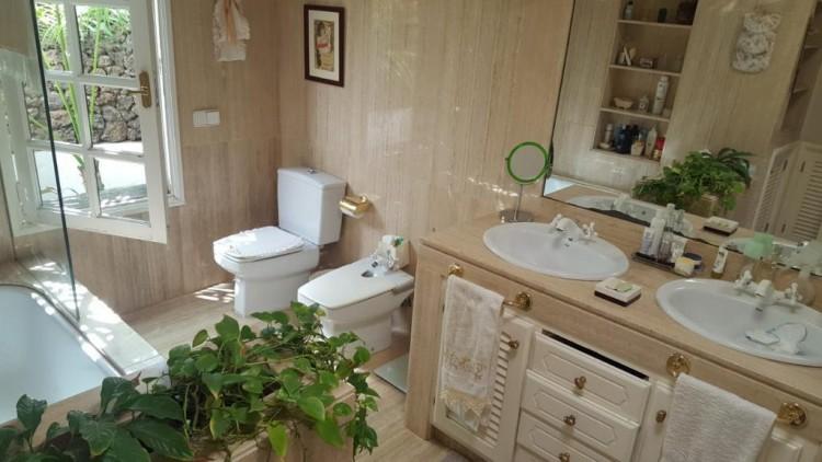 3 Bed  Villa/House for Sale, Arrecife, Lanzarote - LA-la779S 6