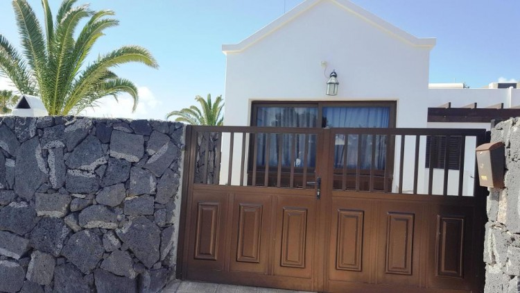 3 Bed  Villa/House for Sale, Playa Blanca, Lanzarote - LA-LA743s 4