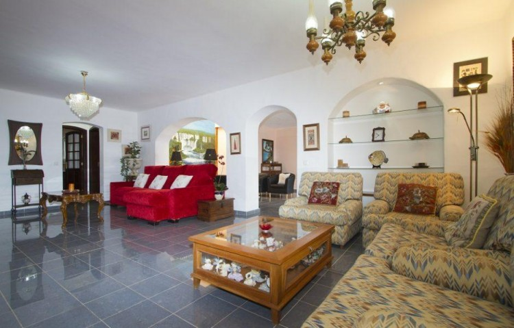 9 Bed  Villa/House for Sale, Tias, Lanzarote - LA-LA773s 7