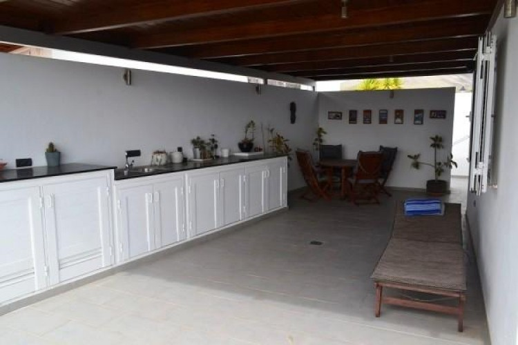 6 Bed  Villa/House for Sale, Puerto Calero, Lanzarote - LA-LA527s 6