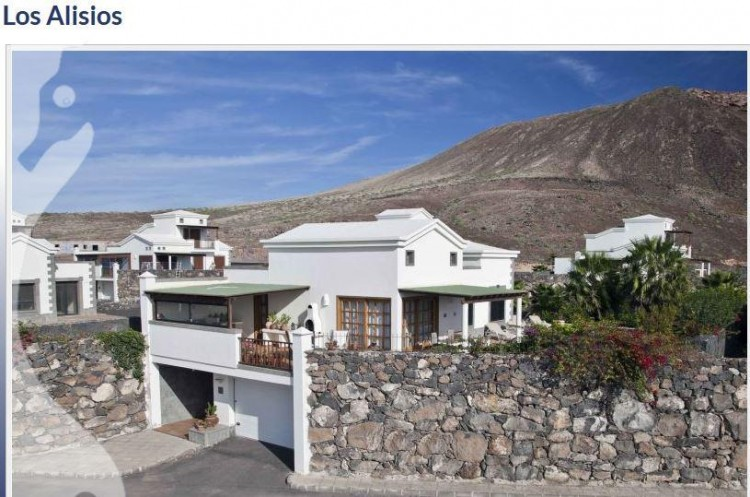 3 Bed  Villa/House for Sale, Playa Blanca, Lanzarote - LA-LA666s 1
