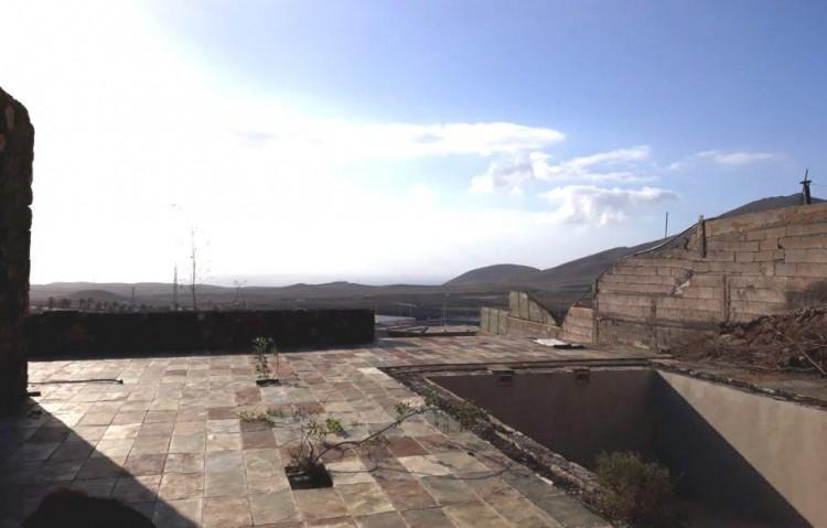 3 Bed  Country House/Finca for Sale, Uga, Lanzarote - LA-LA679s 5