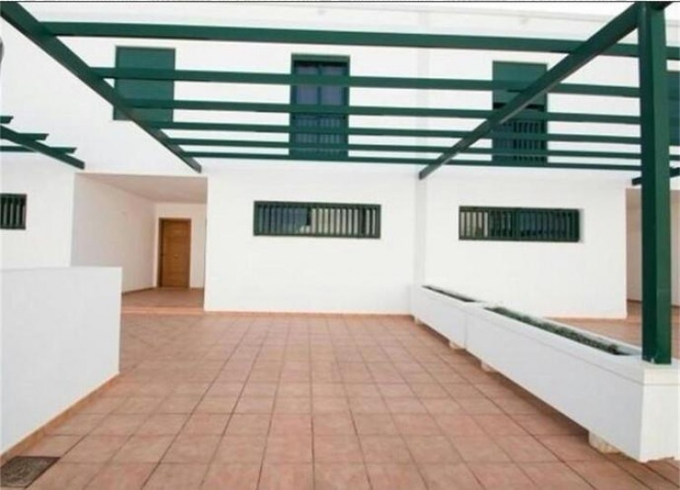 2 Bed  Villa/House for Sale, Playa Blanca, Lanzarote - LA-LA737s 7