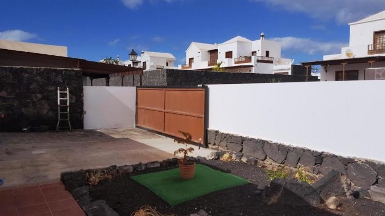 3 Bed  Villa/House for Sale, Playa Blanca, Lanzarote - LA-LA790s 2