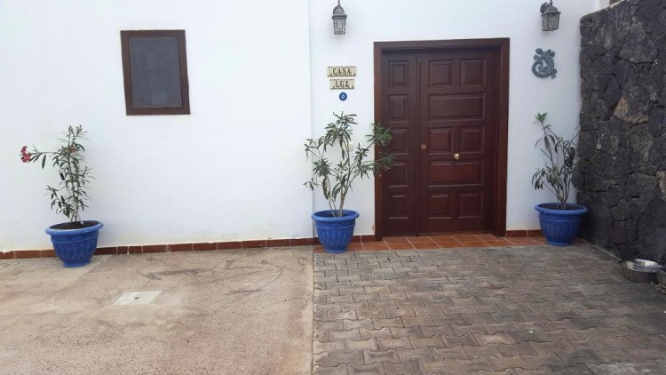 3 Bed  Villa/House for Sale, Playa Blanca, Lanzarote - LA-LA790s 5
