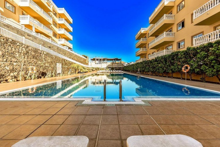 2 Bed  Flat / Apartment for Sale, Arona, Santa Cruz de Tenerife, Tenerife - IN-128 1
