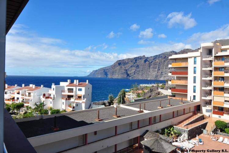 2 Bed  Flat / Apartment for Sale, Acantilado De Los Gigantes, Tenerife - PG-AAEP1258 1