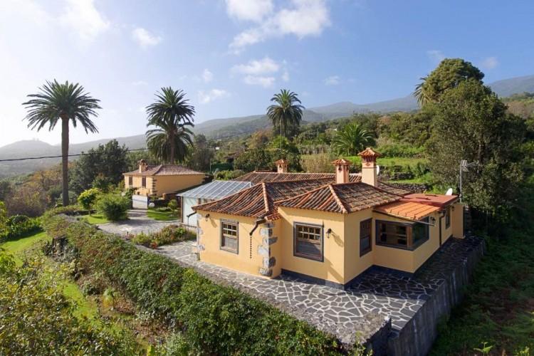 4 Bed  Villa/House for Sale, Las Ledas, Breña Alta, La Palma - LP-BA60 1