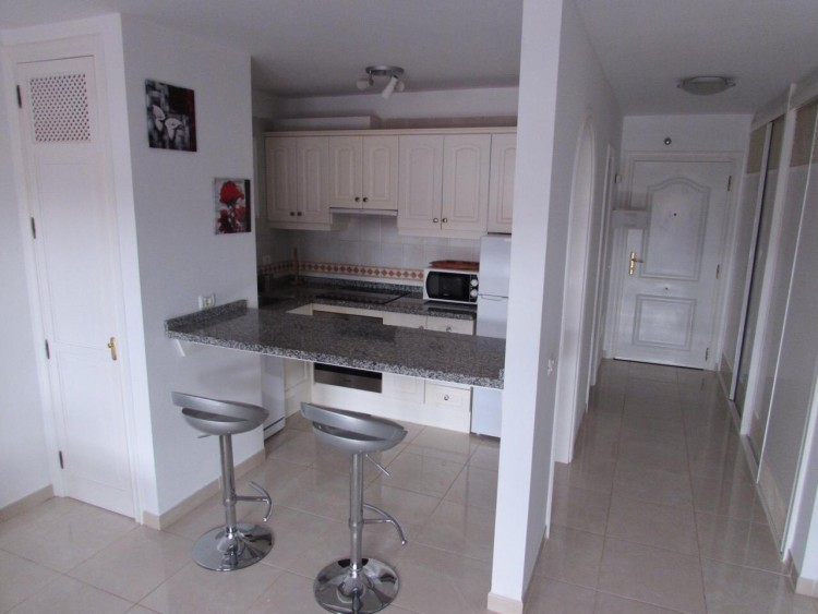 1 Bed  Flat / Apartment to Rent, Arona, Santa Cruz de Tenerife, Tenerife - IN-284 6