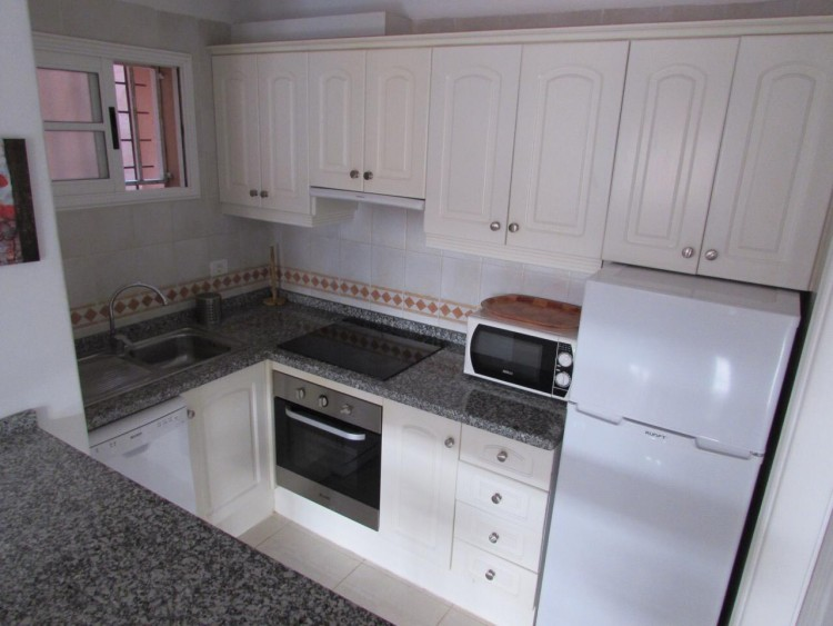 1 Bed  Flat / Apartment to Rent, Arona, Santa Cruz de Tenerife, Tenerife - IN-284 8