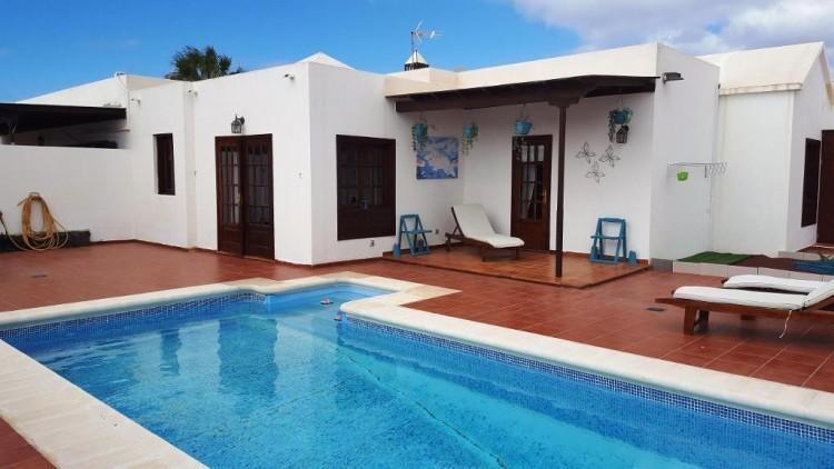 3 Bed  Villa/House for Sale, Playa Blanca, Lanzarote - LA-LA825s 1