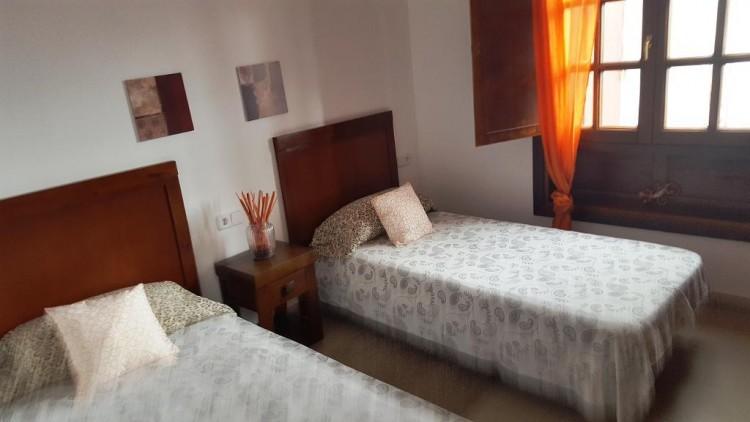 3 Bed  Villa/House for Sale, Playa Blanca, Lanzarote - LA-LA825s 8