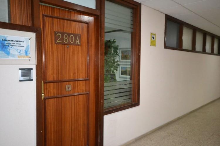 2 Bed  Commercial to Rent, Santa Cruz de Tenerife, Tenerife - PR-OFI0004AMC 4