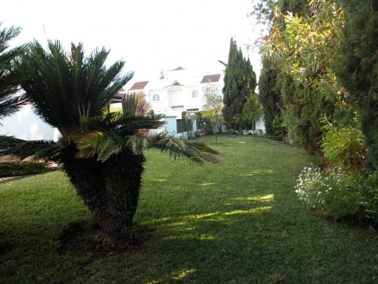 4 Bed  Villa/House for Sale, Puerto de la Cruz, Santa Cruz de Tenerife, Tenerife - PR-LUX0121VDV 11