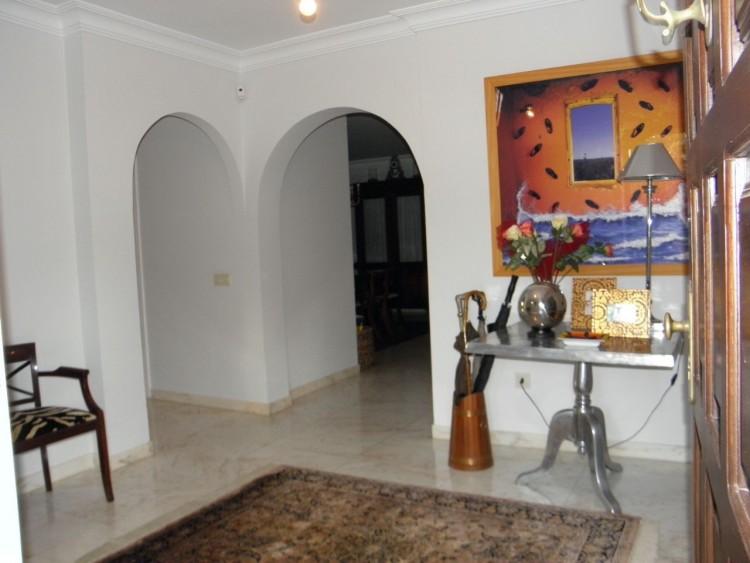 4 Bed  Villa/House for Sale, Puerto de la Cruz, Santa Cruz de Tenerife, Tenerife - PR-LUX0121VDV 12