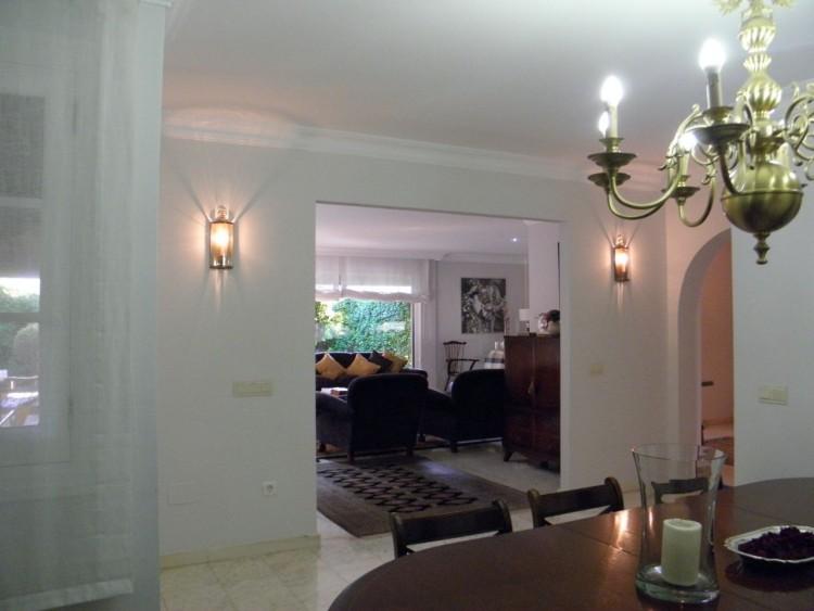 4 Bed  Villa/House for Sale, Puerto de la Cruz, Santa Cruz de Tenerife, Tenerife - PR-LUX0121VDV 19
