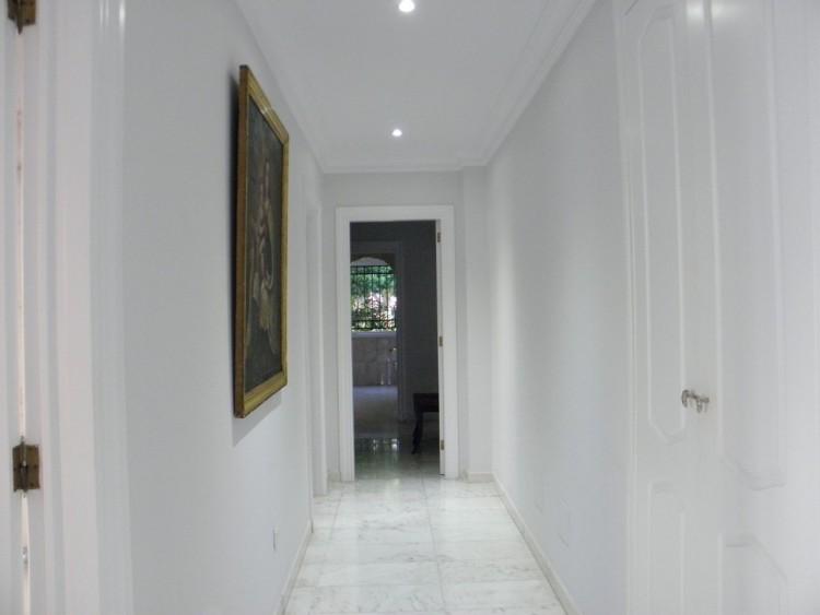 4 Bed  Villa/House for Sale, Puerto de la Cruz, Santa Cruz de Tenerife, Tenerife - PR-LUX0121VDV 20