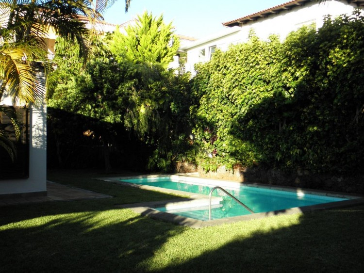 4 Bed  Villa/House for Sale, Puerto de la Cruz, Santa Cruz de Tenerife, Tenerife - PR-LUX0121VDV 5