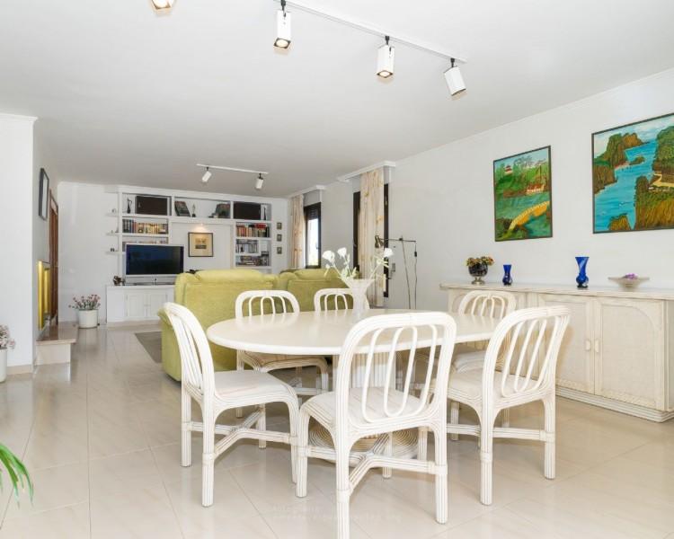 4 Bed  Villa/House for Sale, Puerto de la Cruz, Santa Cruz de Tenerife, Tenerife - PR-CHA0282VDV 14