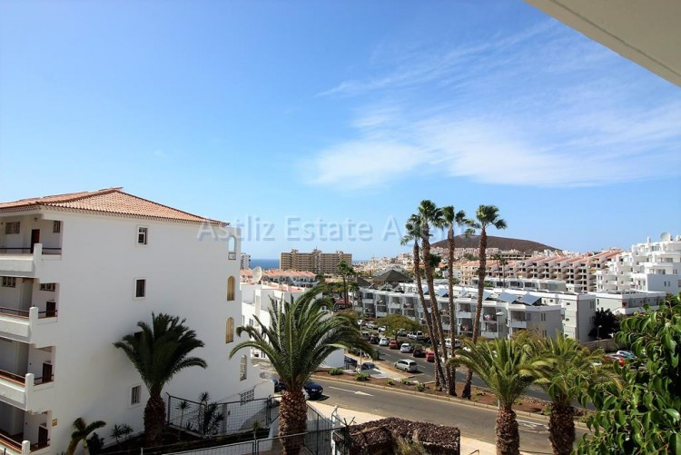 2 Bed  Flat / Apartment for Sale, Los Cristianos, Arona, Tenerife - AZ-1301 20