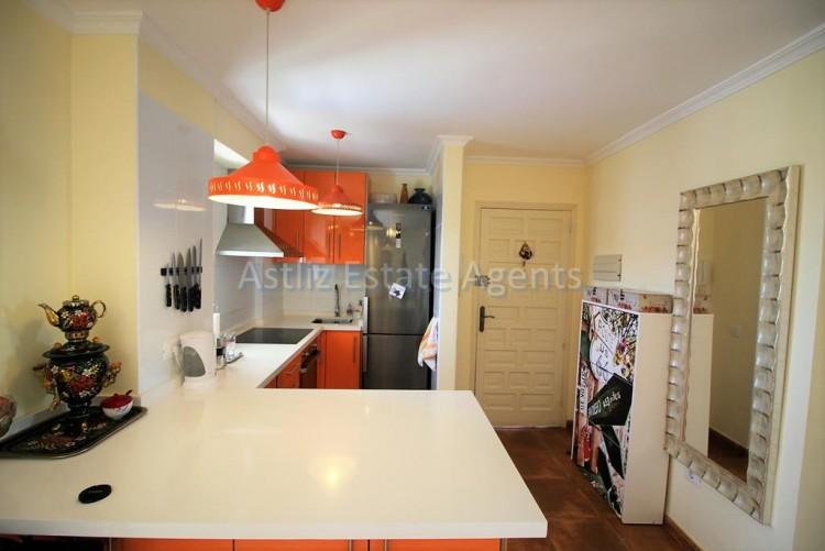 2 Bed  Flat / Apartment for Sale, Los Cristianos, Arona, Tenerife - AZ-1301 3