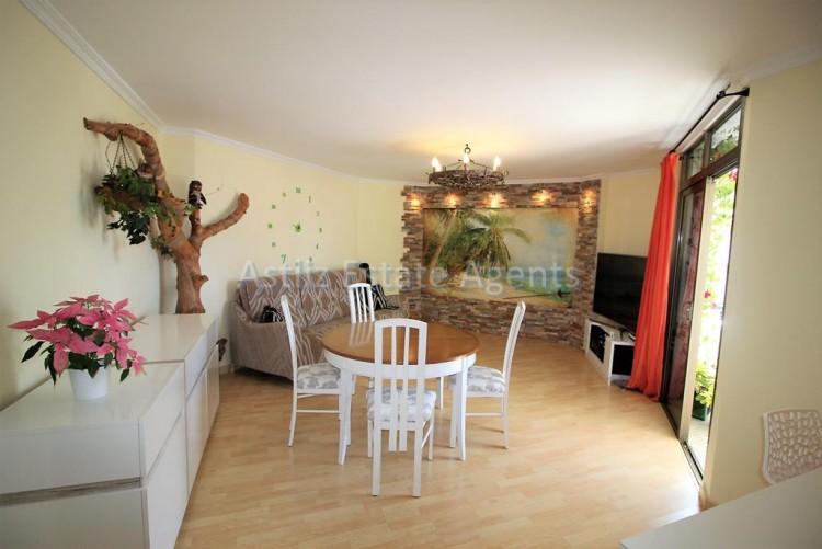 2 Bed  Flat / Apartment for Sale, Los Cristianos, Arona, Tenerife - AZ-1301 4