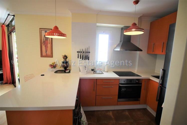 2 Bed  Flat / Apartment for Sale, Los Cristianos, Arona, Tenerife - AZ-1301 5