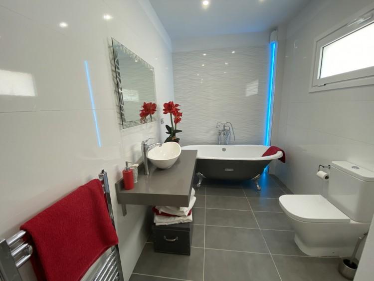4 Bed  Villa/House for Sale, San Eugenio Alto, Adeje, Tenerife - MP-V0688-4 17