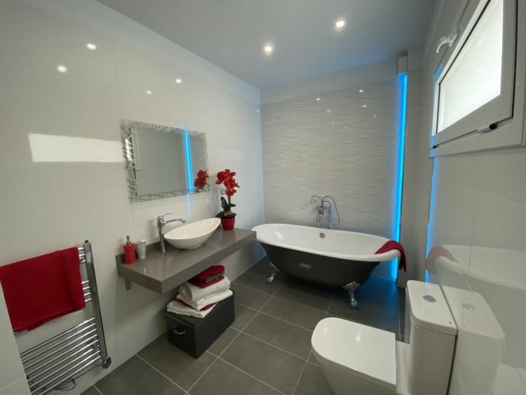 4 Bed  Villa/House for Sale, San Eugenio Alto, Adeje, Tenerife - MP-V0688-4 18