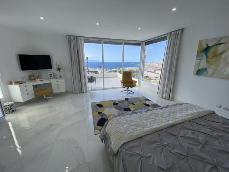 4 Bed  Villa/House for Sale, San Eugenio Alto, Adeje, Tenerife - MP-V0688-4 6