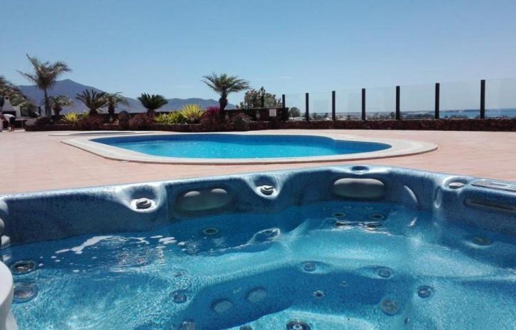5 Bed  Villa/House for Sale, Playa Blanca, Lanzarote - LA-LA830s 2
