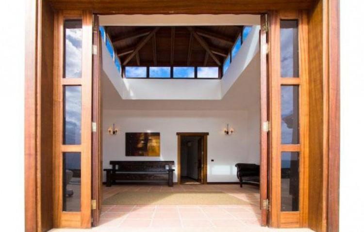 5 Bed  Villa/House for Sale, Playa Blanca, Lanzarote - LA-LA830s 3