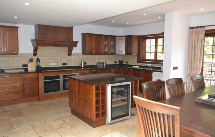 5 Bed  Villa/House for Sale, Playa Blanca, Lanzarote - LA-LA830s 5