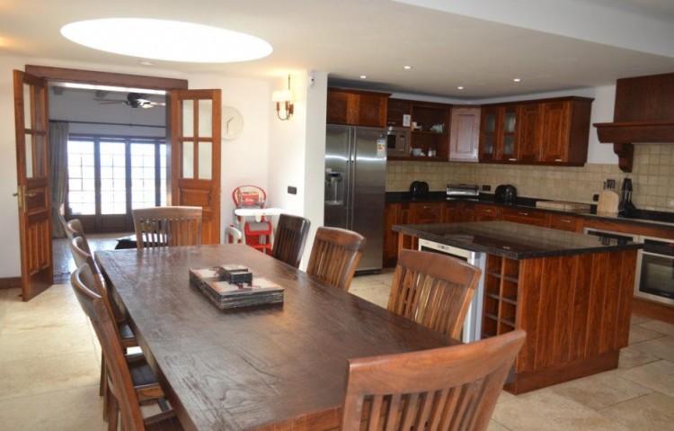 5 Bed  Villa/House for Sale, Playa Blanca, Lanzarote - LA-LA830s 6