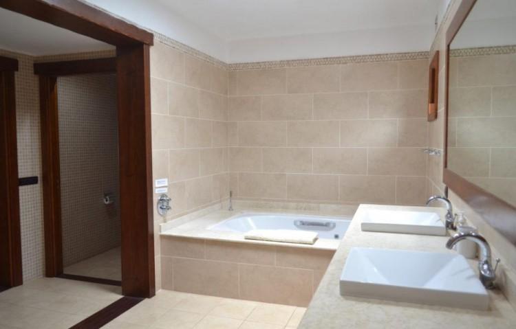 5 Bed  Villa/House for Sale, Playa Blanca, Lanzarote - LA-LA830s 8