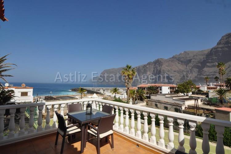 2 Bed  Villa/House for Sale, Los Gigantes, Santiago Del Teide, Tenerife - AZ-1308 1