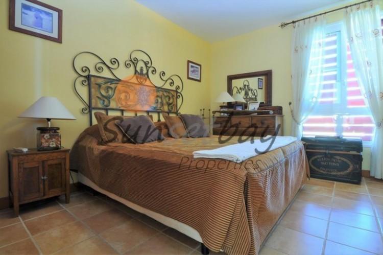 4 Bed  Villa/House for Sale, San Eugenio, Tenerife - SB-SB-196 2
