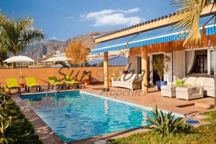 4 Bed  Villa/House for Sale, Playa de La Arena, Tenerife - SB-SB-180 1