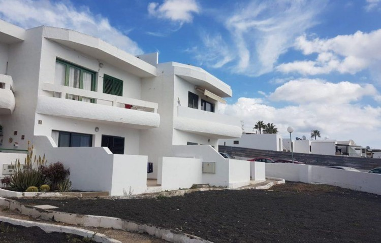 2 Bed  Flat / Apartment for Sale, Puerto Del Carmen, Lanzarote - LA-LA837s 1