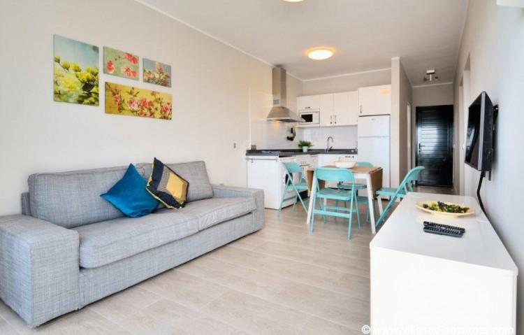 2 Bed  Flat / Apartment for Sale, Puerto Del Carmen, Lanzarote - LA-LA837s 4