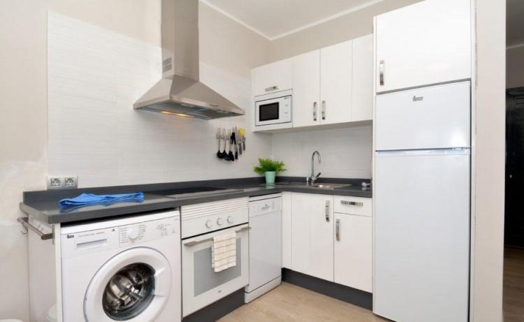 2 Bed  Flat / Apartment for Sale, Puerto Del Carmen, Lanzarote - LA-LA837s 5
