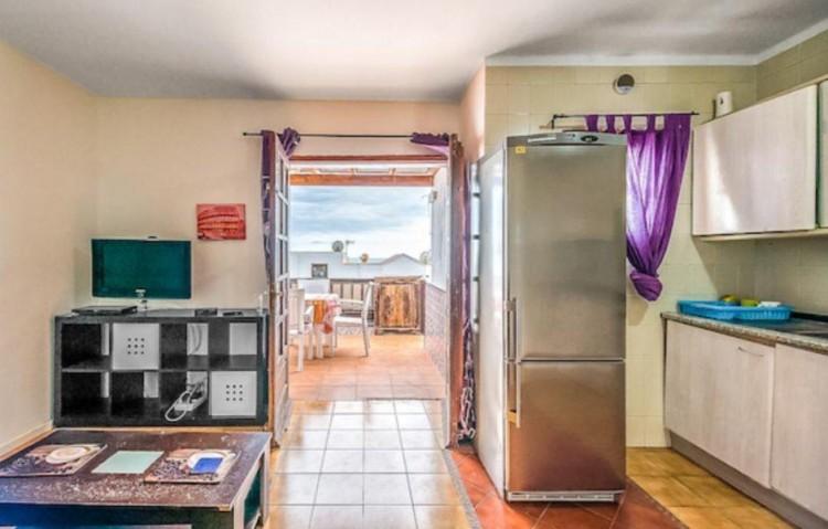 1 Bed  Flat / Apartment for Sale, Puerto Del Carmen, Lanzarote - LA-LA838s 6