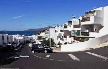 1 Bed  Property for Sale, Puerto Del Carmen, Lanzarote - LA-LA838s