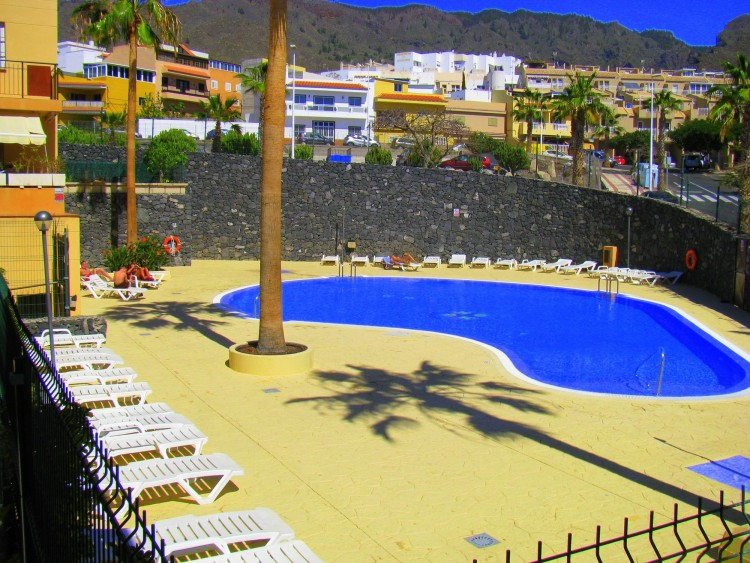 2 Bed  Flat / Apartment for Sale, Adeje, Tenerife - PG-C1842 1
