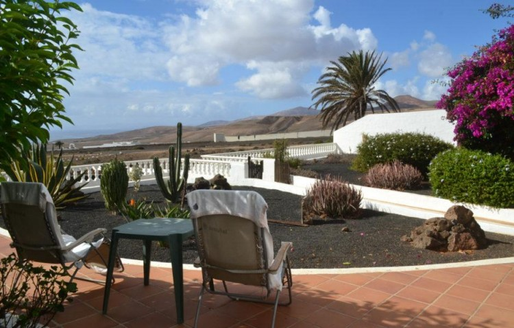 4 Bed  Country House/Finca for Sale, Macher, Lanzarote - LA-LA842s 2
