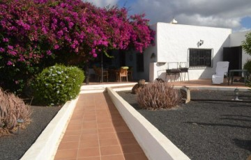 4 Bed  Country House/Finca for Sale, Macher, Lanzarote - LA-LA842s