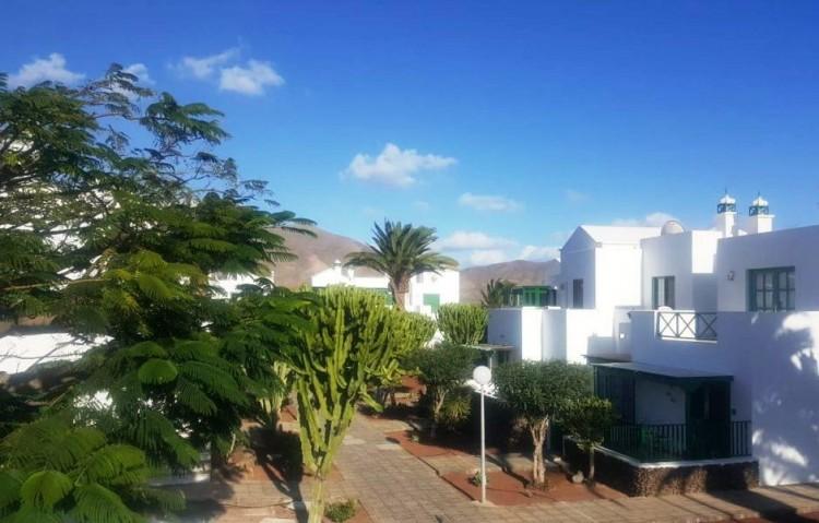 2 Bed  Flat / Apartment for Sale, Playa Blanca, Lanzarote - LA-LA841s 1
