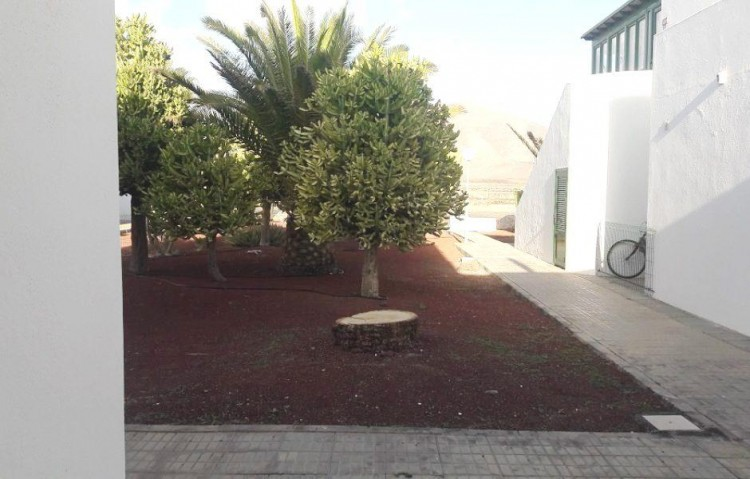 2 Bed  Flat / Apartment for Sale, Playa Blanca, Lanzarote - LA-LA841s 8
